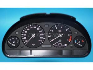 BMW 5-ÖS SOROZAT E39, X5 / kilométer óra
