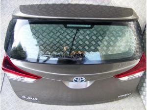TOYOTA AURIS Auris II Lift / Toyota Auris II Lift HB csomagtér ajtó 1g2