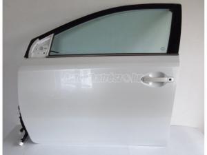TOYOTA AURIS Auris II / Toyota Auris II bal első ajtó 070