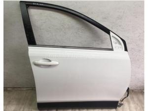TOYOTA RAV 4 RAV 4 / Toyota RAV 4 jobb első ajtó 040