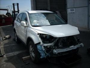 HONDA CR-V / Bontott jármű