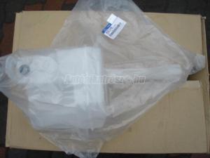 HYUNDAI I30 / ablakmosó tartály