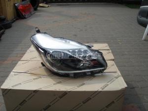 TOYOTA YARIS Hybrid / fényszóró