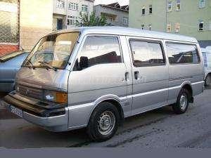 MAZDA E 2200 e2200 / Bontott jármű