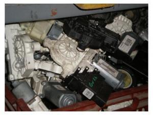 VOLKSWAGEN EGYÉB PASSAT, GOLF, JETTA, POLO, TOUAREG, TURA... / Ablakemelő motorok,Ablakemelő szerkezetek eladók bontásból,illetve újak rendelhetők